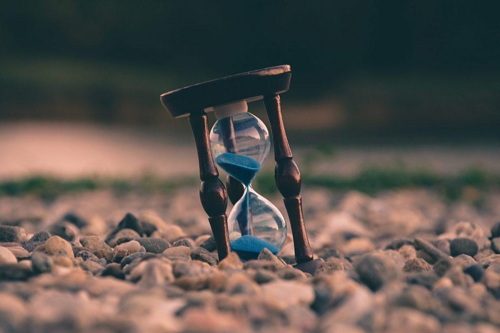 sablier du temps bleu